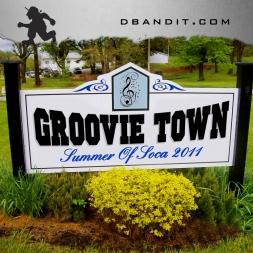 GROOVIE TOWN - SOS 2011 SOCA PODCAST